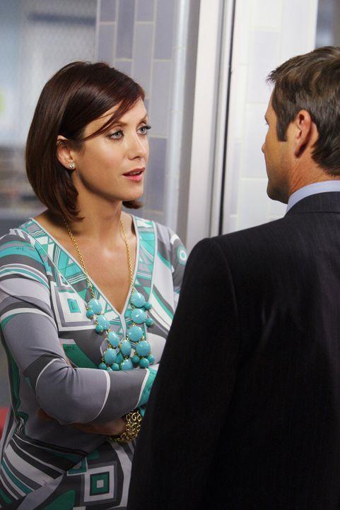 Addison (Kate Walsh, l.) ist von ihrem Bruder Archer (Grant Show, r.) enttäuscht, weil er eine Stelle bei Charlotte angenommen hat und auch noch mit... - Bildquelle: ABC Studios