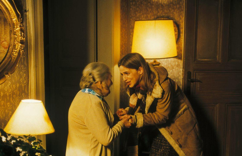 Als Lenny auftaucht, will Helena (Lucie Zednicková-Pokorná, l.) nicht mit der Vergangenheit konfrontiert werden. Doch dann packt sie das Jagdfiebe... - Bildquelle: Jiri Hanzl ProSieben