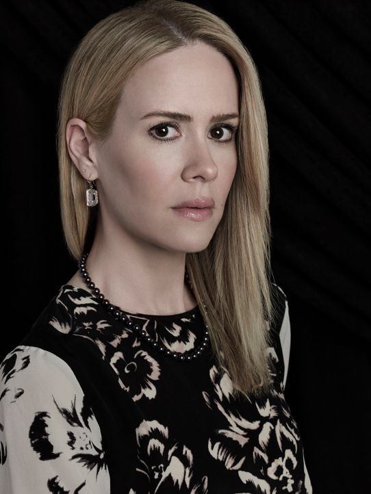 (3. Staffel) - Wird Cordelia Foxx (Sarah Paulson) jemals das wahre Gesicht ihrer Mutter erkennen? - Bildquelle: 2013-2014 Fox and its related entities. All rights reserved.