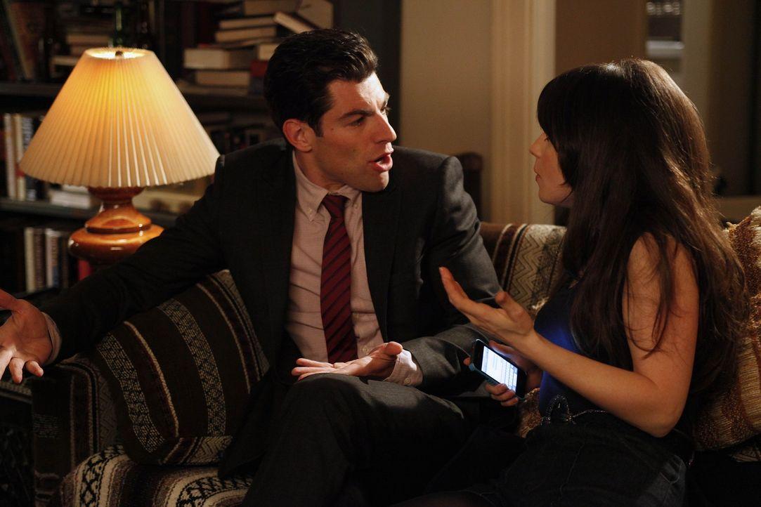 Jess (Zooey Deschanel, r.) bittet Schmidt (Max Greenfield, l.), mit ihr am Valentinstag auszugehen, damit sie jemanden für einen One-Night-Stand abs... - Bildquelle: 20th Century Fox