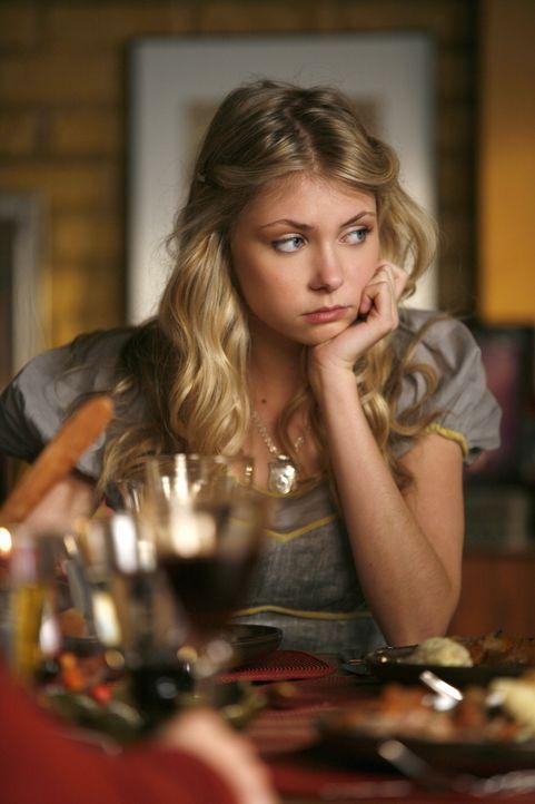 Jenny (Taylor Momsen) ist nicht die einzige, der das Essen zu Thanksgiving Unbehagen bereitet ... - Bildquelle: Warner Brothers
