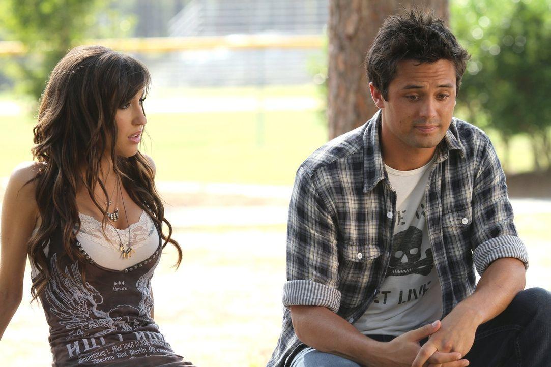 Will Mia (Kate Voegele, l.) Chase (Stephen Colletti, r.) wirklich zurückhaben und hat sie überhaupt eine Chance gegen Alex? - Bildquelle: Warner Bros. Pictures