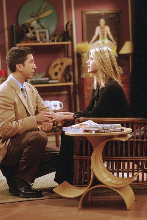 Rachel (Jennifer Aniston) eröffnet Ross (David Schwimmer), daß er Vater wird. - Bildquelle: TM+  WARNER BROS.