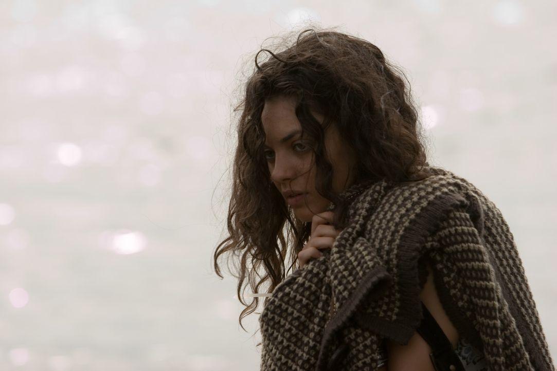 Im Auftrag ihrer Mutter und ihres arroganten Stiefvaters Karl wird Sophie (Mila Kunis) auf eine Fijii-Insel verschleppt. Dort inhaftiert man sie in... - Bildquelle: Chris Large