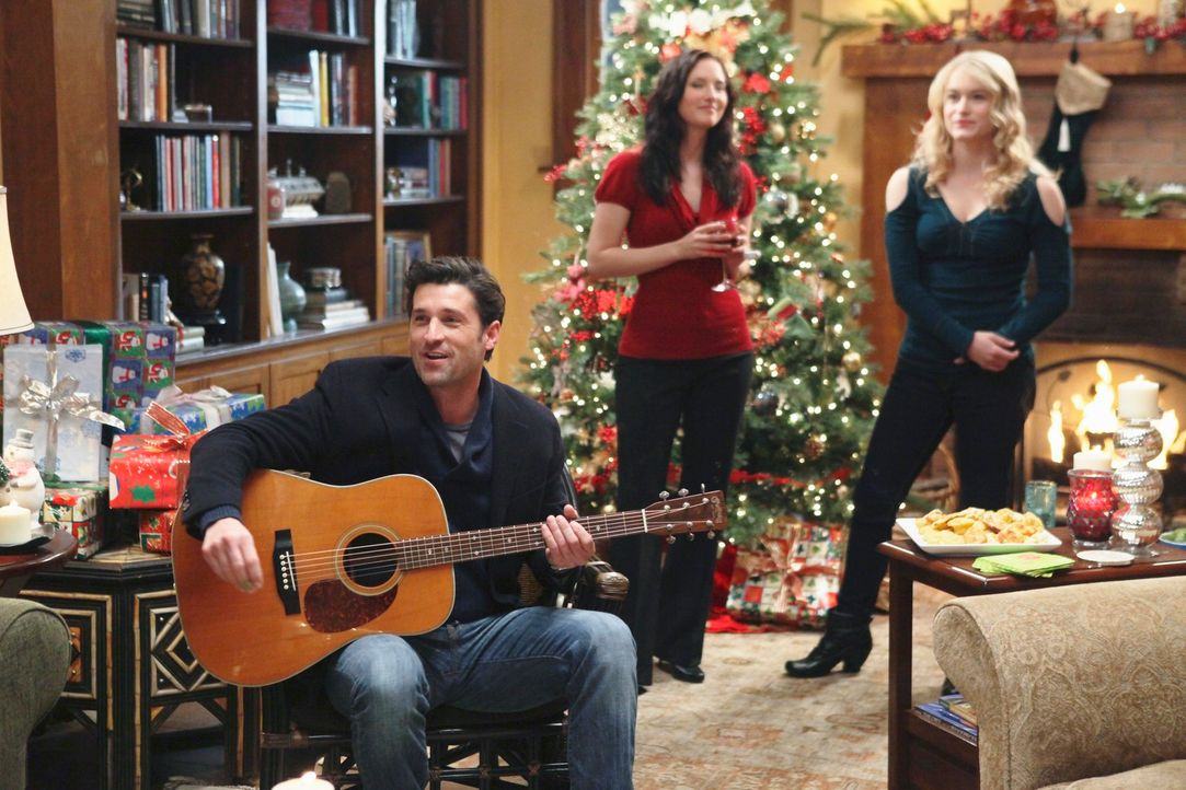 Ein ganz besonderes Weihnachtsfest: Derek (Patrick Dempsey, l.), Lexie (Chyler Leigh, M.) und Sloan (Leven Rambin, r.) ... - Bildquelle: Touchstone Television