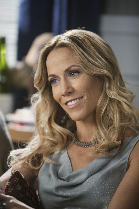 Sieht in Jules eine Gefahr für ihre Beziehung: Sara (Sheryl Crow) ... - Bildquelle: 2009 ABC INC.