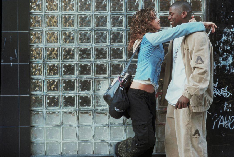 Ihr bester Freund Chaz (Mekhi Phifer, r.) unterstützt Honey (Jessica Alba, l.) in all ihren Plänen. Doch sind da wirklich nur freundschaftliche Gefü... - Bildquelle: Universal Studios