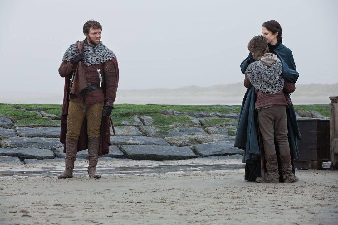 Lady Margaret Beaufort (Amanda Hale, r.) muss ihren Sohn (Tom McKay, 2.v.r.) ein weiteres Mal ziehen lassen - diesmal mit seinem Onkel Henry Tudor (... - Bildquelle: 2013 Starz Entertainment LLC, All rights reserved