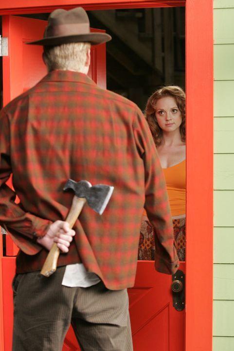 Lemuel 'Lefty Lem' Weinger (Dash Mihok, vorne) hat nichts Gutes vor, insbesondere bei Elsita (Jayma Mays, hinten) ... - Bildquelle: Warner Brothers
