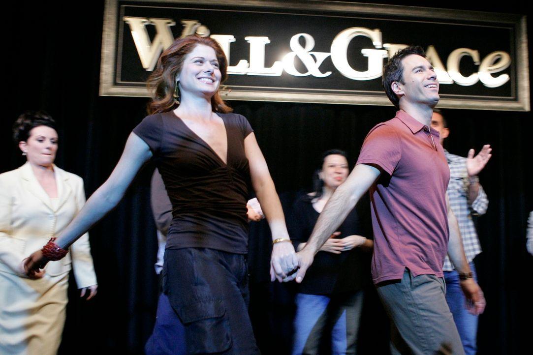 Will (Eric McCormack, vorne r.) und Grace (Debra Messing, vorne l.) verabschieden sich von ihren Fans ... - Bildquelle: NBC Productions