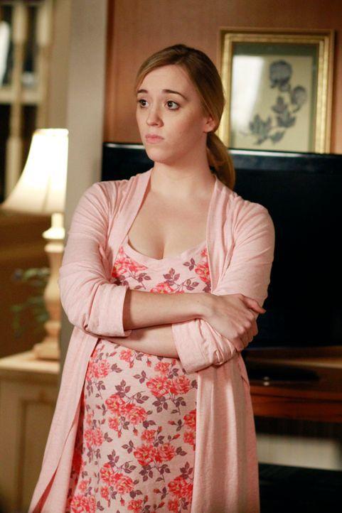 Während sich Gabrielle gezwungen sieht, auf Jobsuche zu gehen, ist Julie (Andrea Bowen) aufgrund der neuen Erziehungsmethoden ihrer Mutter gegenüber... - Bildquelle: ABC Studios