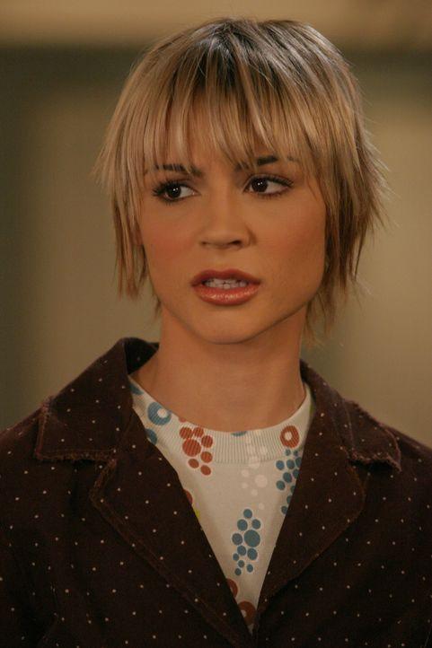 Seth fühlt sich schuldig, als er erfährt, dass Anna (Samaire Armstrong) zurück nach Pittsburgh gehen wird ... - Bildquelle: Warner Bros. Television