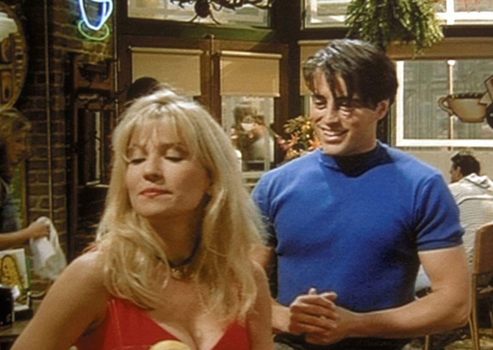 Joey (Matt LeBlanc, r.) trifft seine Ex-Freundin Angela (Kim Gillingham, l.) und verliebt sich erneut in sie. - Bildquelle: TM+  2000 WARNER BROS.