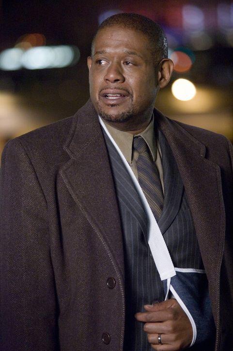 Curtis Ames (Forest Whitaker) kommt nach der Gerichtsverhandlung wieder ins County um mit Luka zu sprechen ... - Bildquelle: Warner Bros. Television