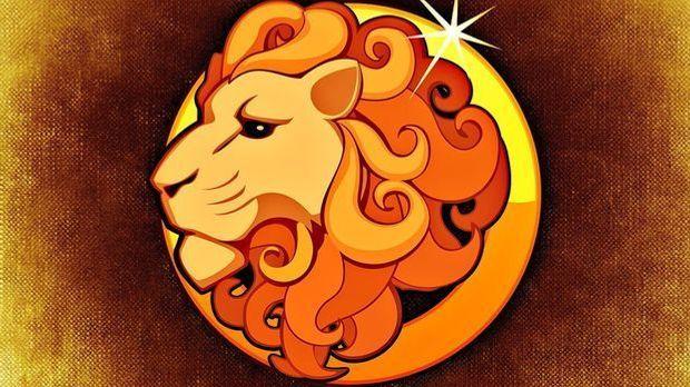 Als echtes Feuerzeichen strotzt der Löwe unter dem Einfluss der Sonne nur so...