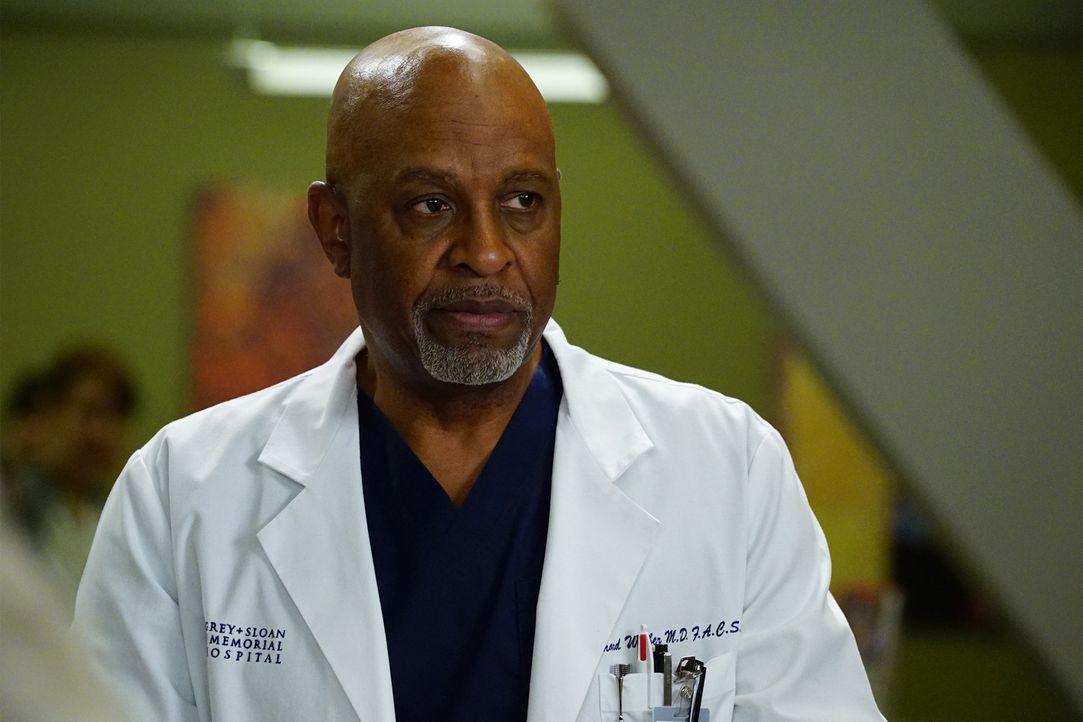 Webber (James Pickens Jr.) kämpft um das Leben seiner Patientin. Doch dies ich leichter gesagt als getan ... - Bildquelle: Richard Cartwright 2016 American Broadcasting Companies, Inc. All rights reserved.
