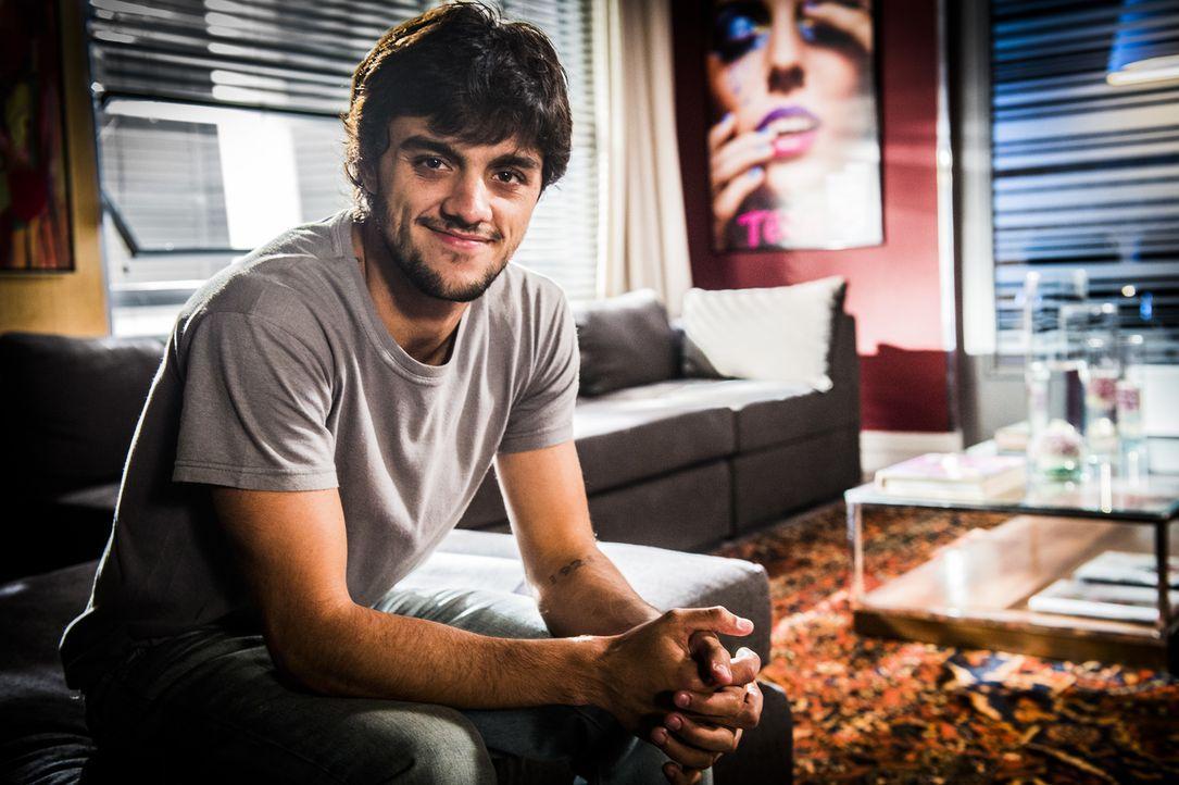 Jonatas (Felipe Simas) - Bildquelle: João Miguel Júnior Globo/João Miguel Júnior