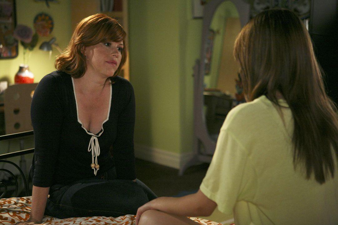 Soll die schwangere Amy (Shailene Woodley, r.) ihrer Mutter Anne (Molly Ringwald, l.) jetzt die Wahrheit gestehen, obwohl diese von ihrer Ehekrise s... - Bildquelle: ABC Family