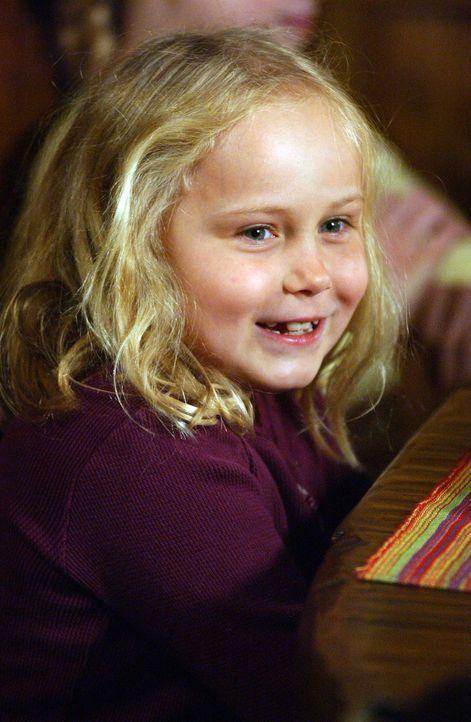 Für die kleine Bridgette Dubois (Maria Lark) ist es nicht verständlich, dass ihre Mutter in letzter Zeit nachts arbeiten muss ... - Bildquelle: Paramount Network Television
