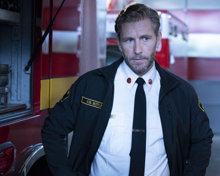 Feuerwehrchef Lucas Ripley (Brett Tucker) - Bildquelle: Mitch Haaseth 2018 American Broadcasting Companies, Inc. All rights reserved. / Mitch Haaseth