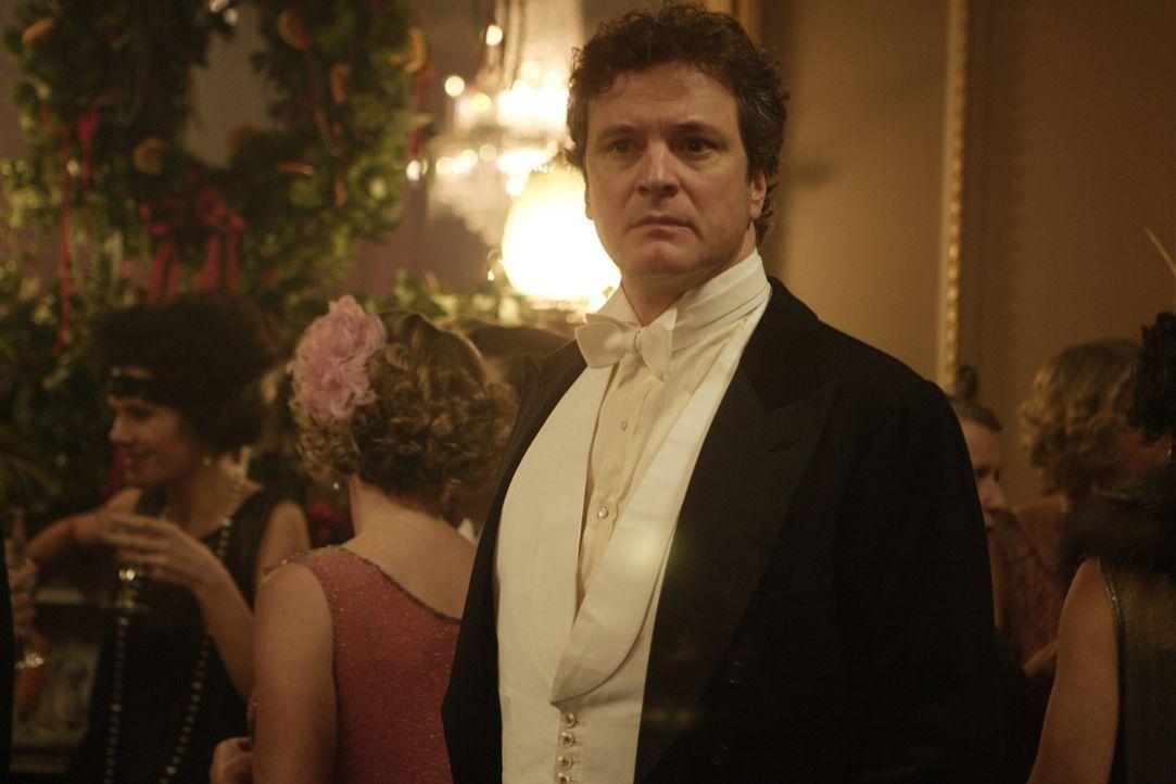 Der traumatisierte Kriegsveteran Jim Whittaker (Colin Firth) leidet unendlich an seiner versnobten und kaltherzigen Frau. Eines Tages bringt sein So... - Bildquelle: 2008 Easy Virtue Films Limited. All Rights Reserved.