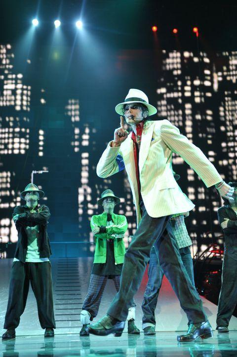 Michael Jacksons THIS IS IT setzt sich aus mehr als 100 Stunden Behind-the-Scenes-Material zusammen, das Jackson bei den Proben seiner Songs für sei... - Bildquelle: 2009 The Michael Jackson Company, LLC. All Rights Reserved.