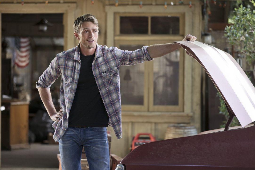Wade (Wilson Bethel) muss eine Entscheidung treffen, die die Zukunft des Rammer Jammers und seine eigene Zukunft in Bluebell maßgeblich beeinflussen... - Bildquelle: Warner Brothers