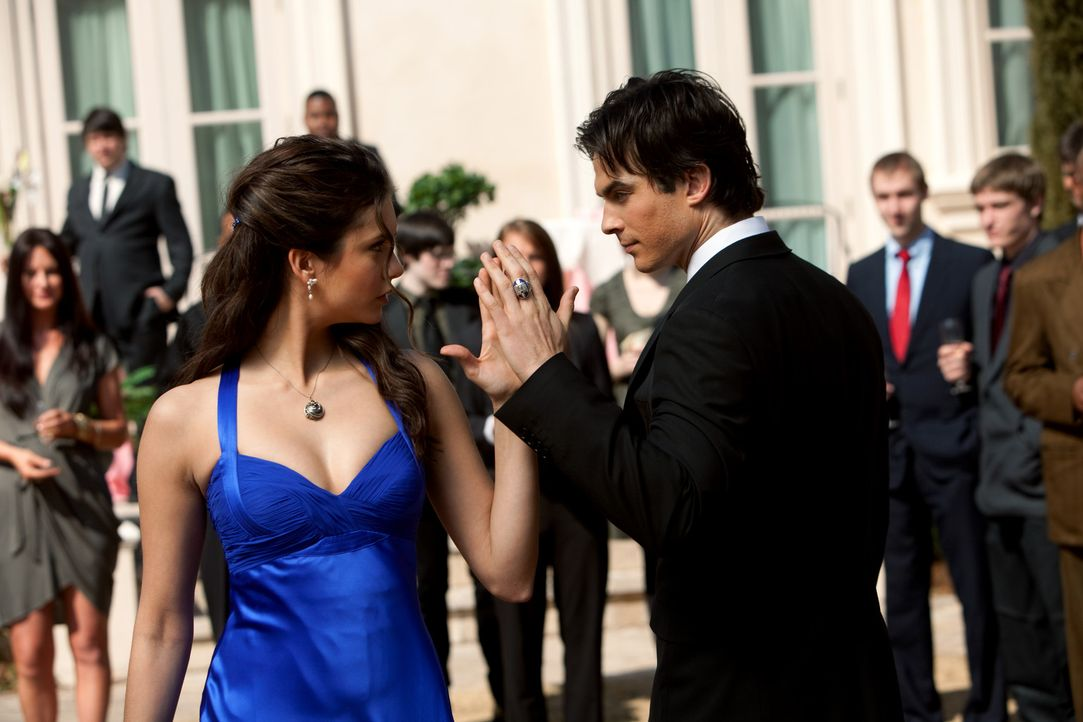 Damon und Elena - Bildquelle: Warner Bros. Entertainment Inc.