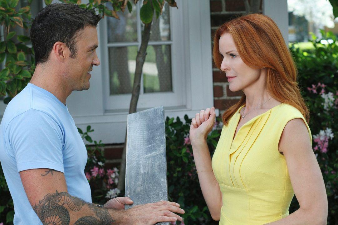 Bree (Marcis Cross, r.) feuert Keith (Brian Austin Green, l.), nachdem sie festgestellt hat, dass sie sich in ihn zu verlieben scheint ... - Bildquelle: ABC Studios