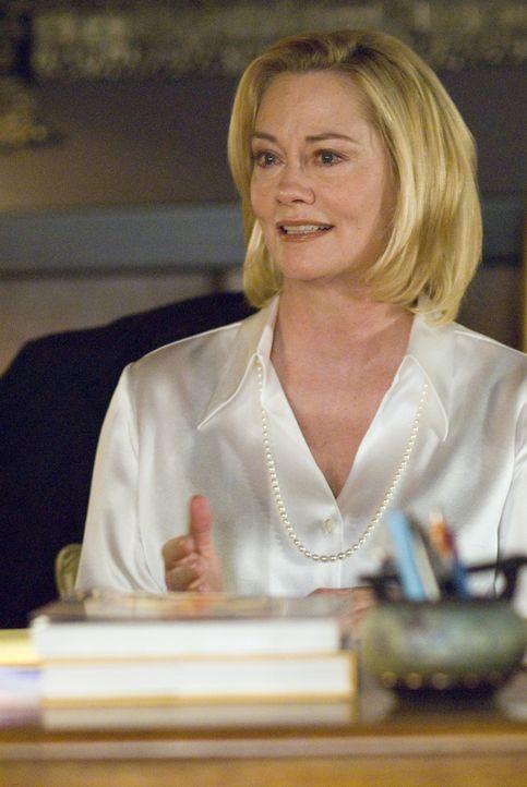 Bette tritt ihre Stelle an der Universität als Dekanin an und lernt ihre Chefin Phyllis (Cybill Shepherd) kennen. Phyllis gesteht ihr, dass sie sic... - Bildquelle: Metro-Goldwyn-Mayer Studios Inc. All Rights Reserved.