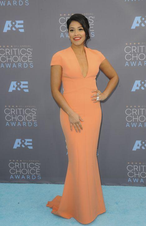 Gina Rodriguez - Bildquelle: Apega/WENN.com