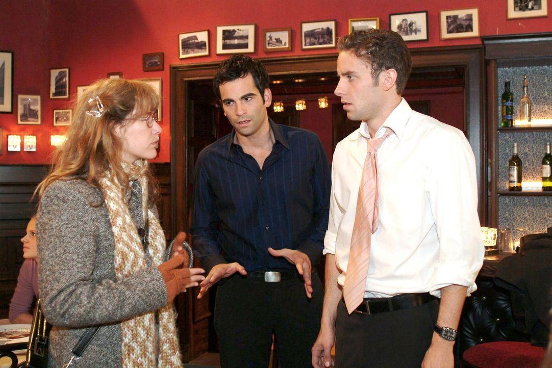 Lisa (Alexandra Neldel, l.) überbringt David (Mathis Künzler, M.) und Max (Alexander Sternberg, r.) die Nachricht, dass Yvonne spurlos verschwunde... - Bildquelle: Monika Schürle Sat.1