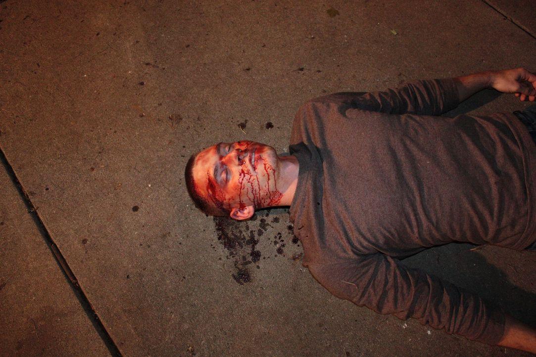 Aus einer vermeintlichen Straßenschlägerei wird ein Mordfall: Nachdem der Soldat und Familienvater Layne Schmidtke buchstäblich zu Tode geprügelt wi... - Bildquelle: Jupiter Entertainment