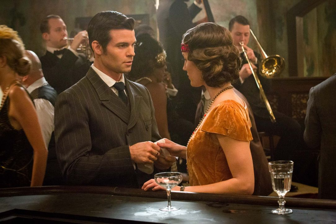 Elijah ist ein echter Gentlemen - Bildquelle: Warner Bros. Entertainment Inc.