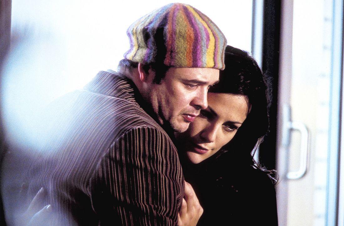 Jill (Bettina Zimmermann, r.) und ihr Bruder Michael (Dirk Nocker, l.) pflegen eine verhängnisvolle Leidenschaft: das königliche Schachspiel. Eine... - Bildquelle: Jeanne Degraa ProSieben