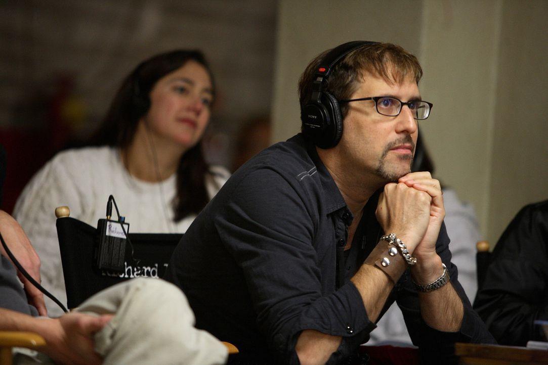 """Regisseur Richard LaGravenese konzentriert sich während der Dreharbeiten zu """"Freedom Writer"""". - Bildquelle: Paramount Pictures"""