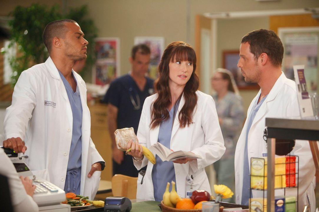 Während Alex (Justin Chambers, r.) schmerzlich an George erinnert wird, trifft Jackson (Jesse Williams, l.) eine Entscheidung zwischen Lexie (Chyler... - Bildquelle: ABC Studios