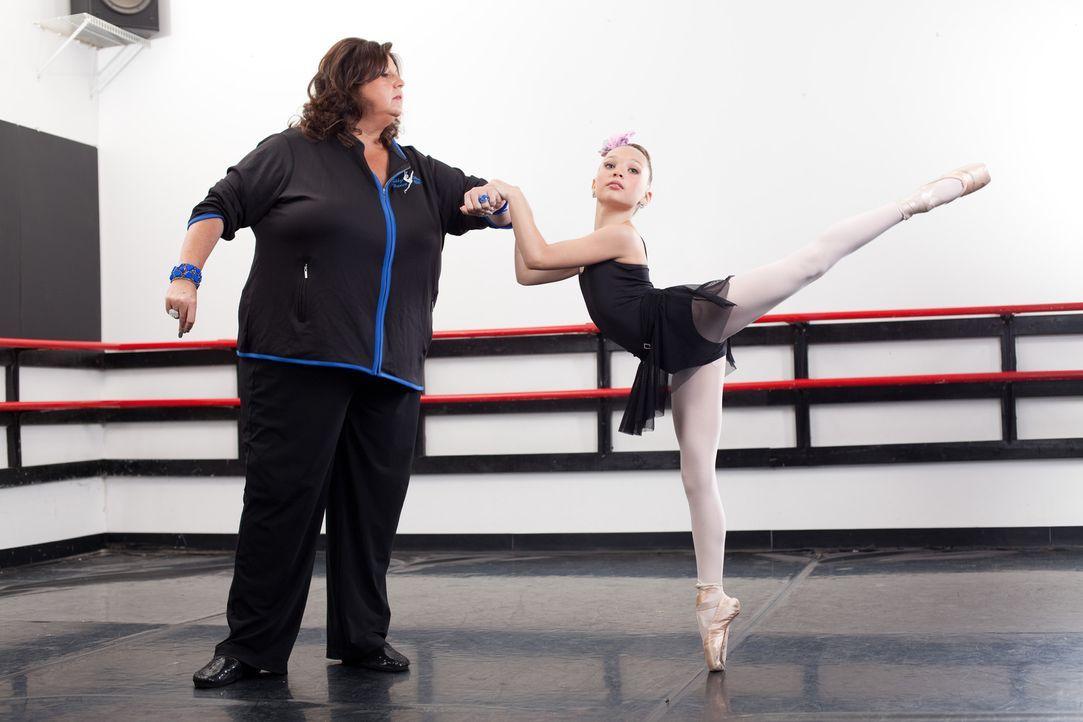 Abby (l.) und Maddie (r.) hatten einige unfassbaren Momente zusammen ... - Bildquelle: Scott Gries 2012 A+E Networks