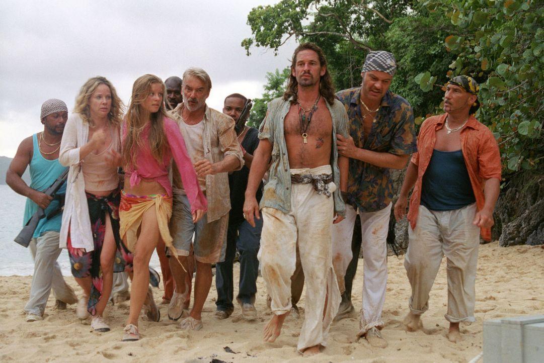 Die Piraten überwältigen die Familie und Flynn. Nur Max ist die Flucht gelungen... - Bildquelle: Sat.1