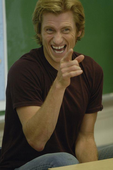 Ist als Geist auf den Feuerwehreinsätzen seiner Truppe dabei: Tommy (Denis Leary) ... - Bildquelle: 2007 Sony Pictures Television Inc. All Rights Reserved