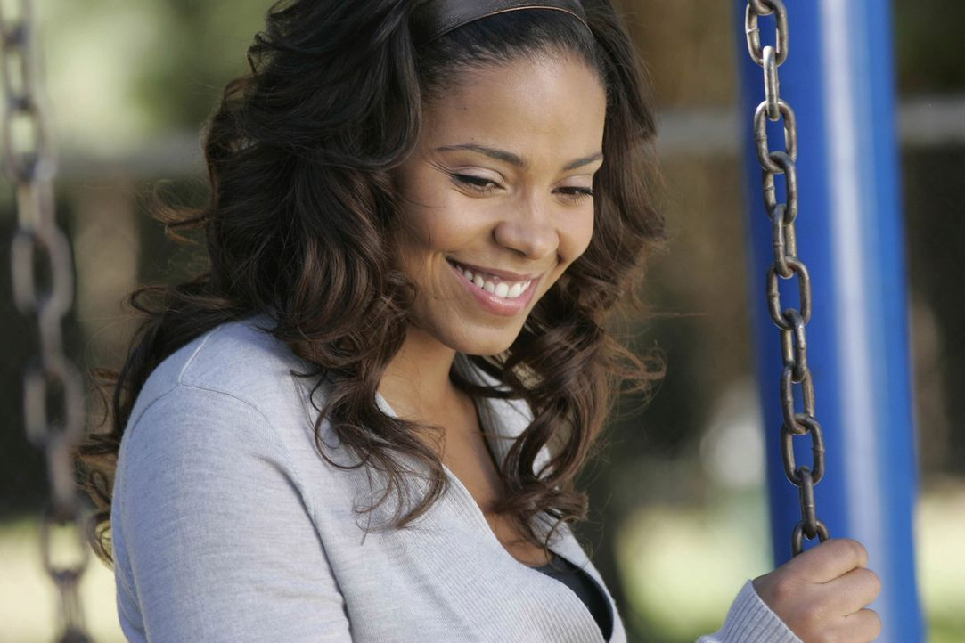 Gina Russo taucht wieder auf, als sie erfährt, dass Michelle (Sanaa Lathan) ihren und Christians vermeintlichen Sohn Wilbur adoptieren will ... - Bildquelle: TM and   2004 Warner Bros. Entertainment Inc. All Rights Reserved.