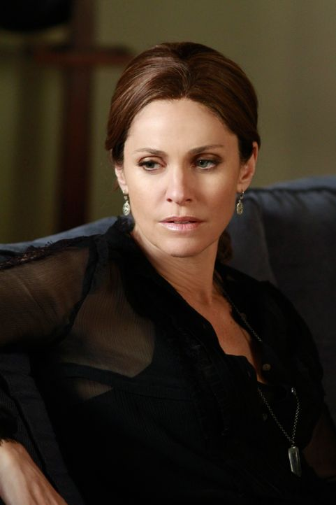 Gibt sich die Schuld daran, dass Betsey im Krankenhaus ist: Violet (Amy Brenneman) ... - Bildquelle: ABC Studios