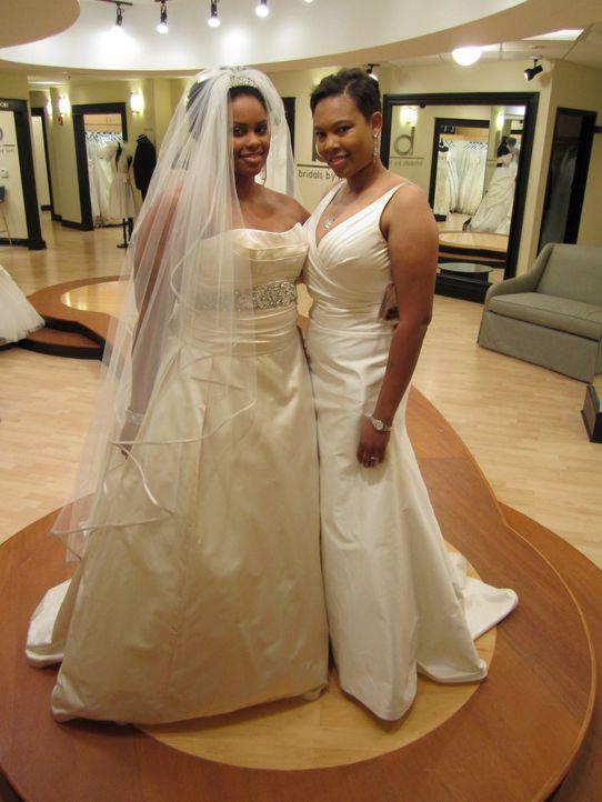 Zwei Frauen wollen gemeinsam vor den Traualtar treten. Während die eine es kaum erwarten kann, in ein Prinzessinnenkleid zu schlüpfen, graust es ihr... - Bildquelle: TLC & Discovery Communications