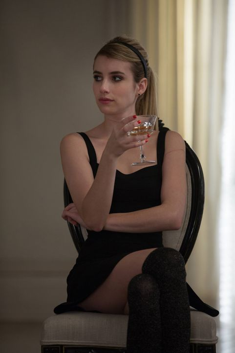 Ist die eingebildete Madison (Emma Roberts) wirklich die neue Oberste oder versucht sie, sich dieses Amt über unmoralische Mittel zu erschleichen? - Bildquelle: 2013-2014 Fox and its related entities. All rights reserved.