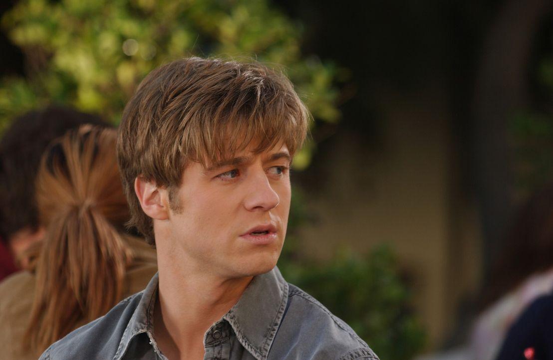 Nach all den Vorfällen versuchen Ryan (Benjamin McKenzie) und Marissa, nur noch Freunde zu sein ... - Bildquelle: Warner Bros. Television