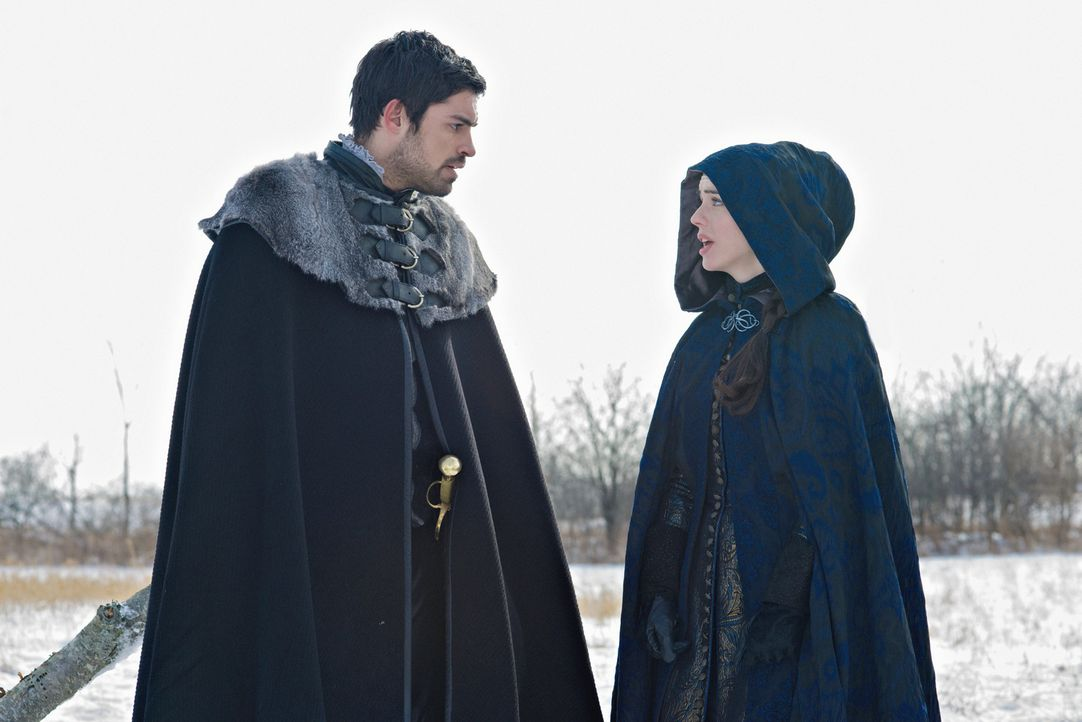 Alles ist bereit für Mary (Adelaide Kane, r.) und Condés (Sean Teale, l.) Reise nach Schottland ... - Bildquelle: Sven Frenzel 2014 The CW Network, LLC. All rights reserved.