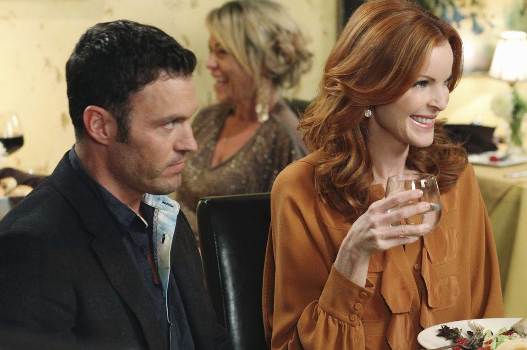 Während Bree (Marcia Cross, r.), Keith' (Brian Austin Green, l.) Eltern, Mary und Richard kennenlernt, setzt Beth alles daran, herauszufinden, welch... - Bildquelle: ABC Studios