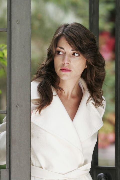 Mariella (Bianca Hein) wird fast wahnsinnig vor Angst, als Lars sie warten lässt. - Bildquelle: Noreen Flynn SAT.1 / Noreen Flynn