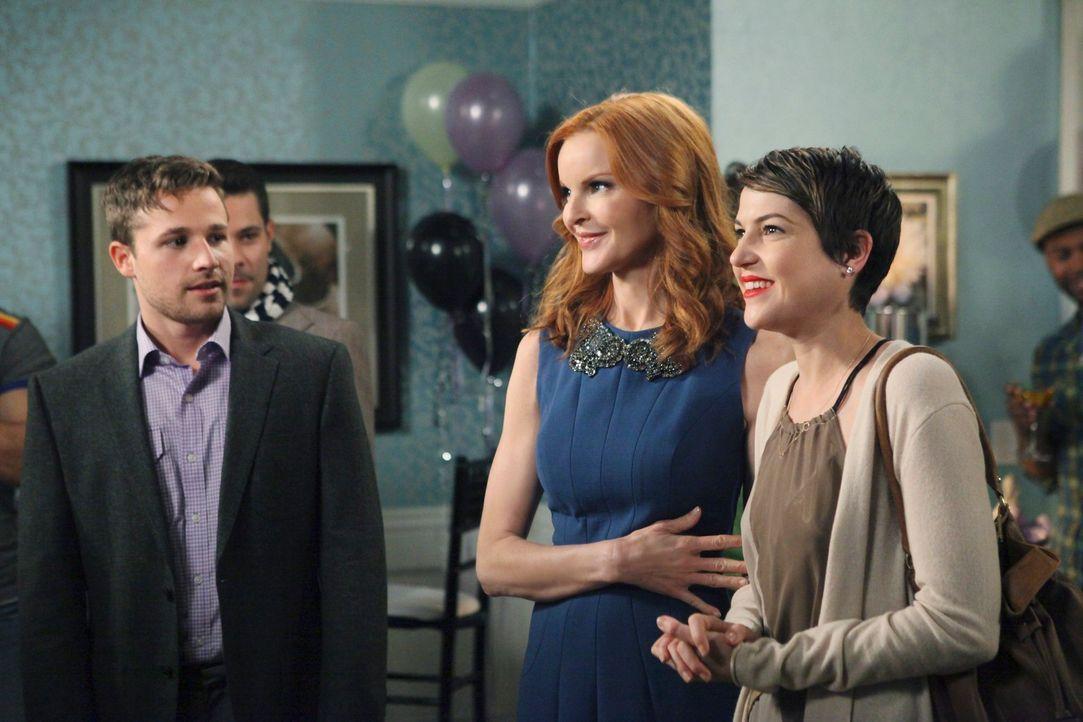 Da Bree (Marcia Cross, M.) nicht glauben kann, dass Andrew (Shawn Pyfrom, l.) Mary Beth (Ashley Austin Morris, r.) wirklich liebt, hat sie eine ganz... - Bildquelle: ABC Studios