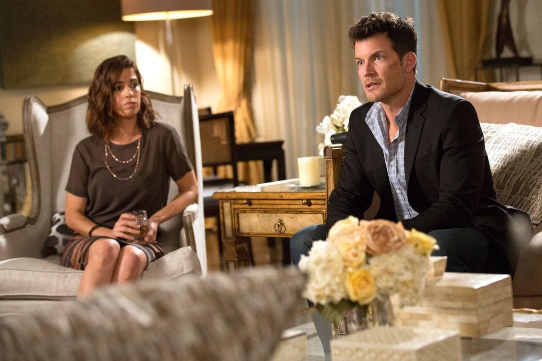 Nachdem Marisol (Ana Ortiz, l.) Nick (Mark Deklin, r.) mit der Wahrheit konfrontiert, zwingt sie ihn dazu, ein Geständnis abzulegen ... - Bildquelle: 2014 ABC Studios